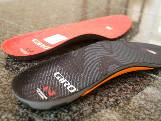 Giro Insoles (Standard red, Adjustable black)
